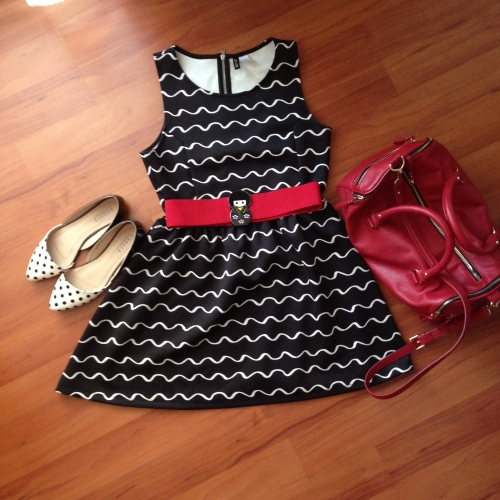 mohito polka dot flat shoes, H&M black and white dress, Zara red belt