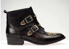 stradivarius Flat leather ankle boots with studs